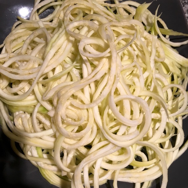 If you haven't tried zucchini noodles yet, you've gotta try this recipe!
