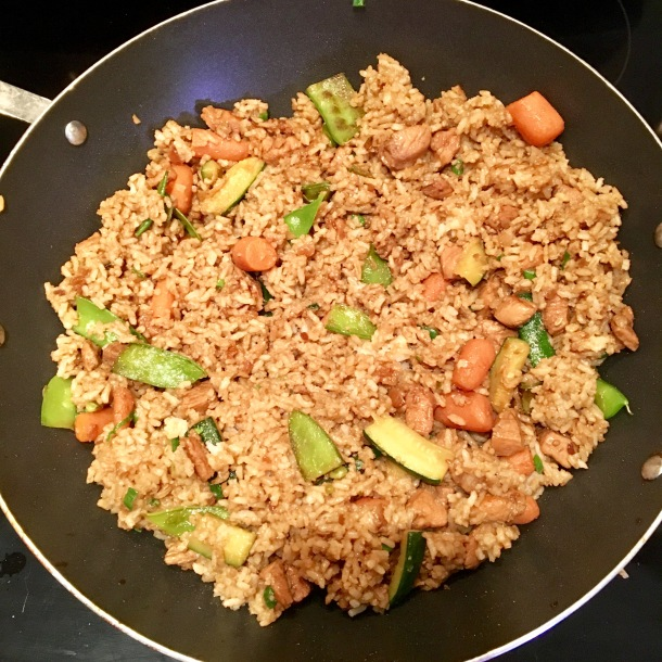 hibachi-chicken-and-rice-in-a-wok