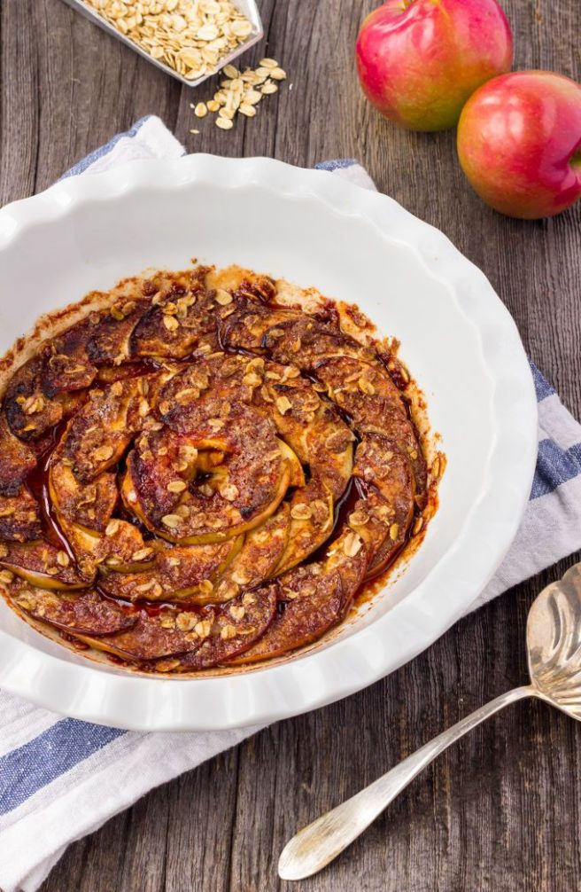 Healthy-Baked-Apple-Slices-with-Cinnamon-1