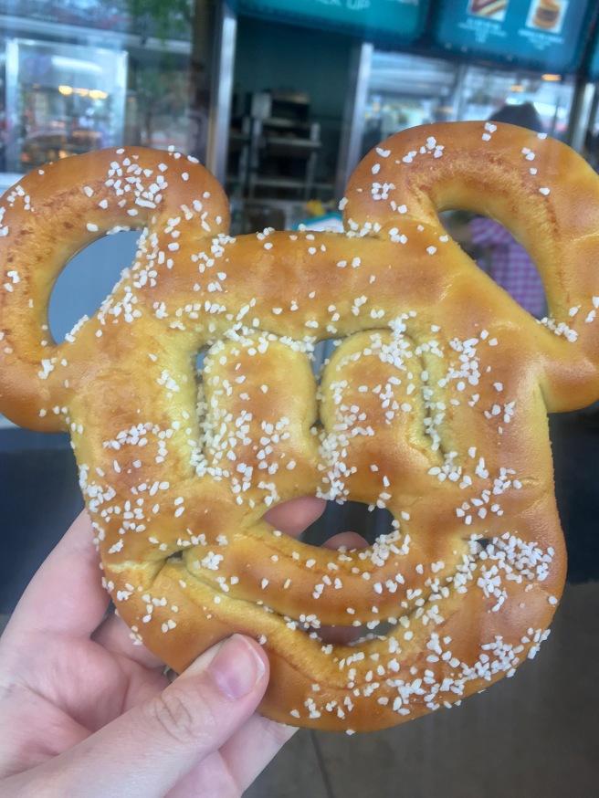 Mickey Pretzel Disney.jpeg